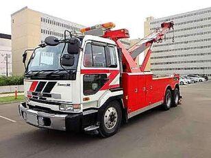 caminhão de reboque NISSAN UD