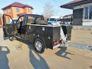 caminhão de reboque UAZ Карго