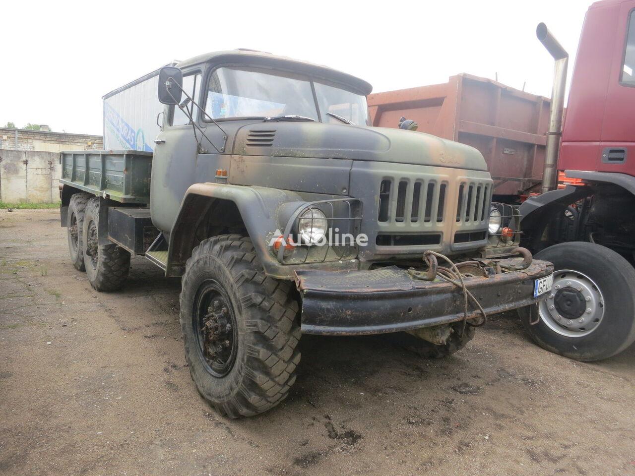 camião de caixa aberta ZIL 131