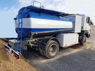 camião de transporte de combustivel NISSAN M11.150