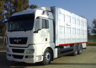 camião de transporte de gado SCANIA R 490
