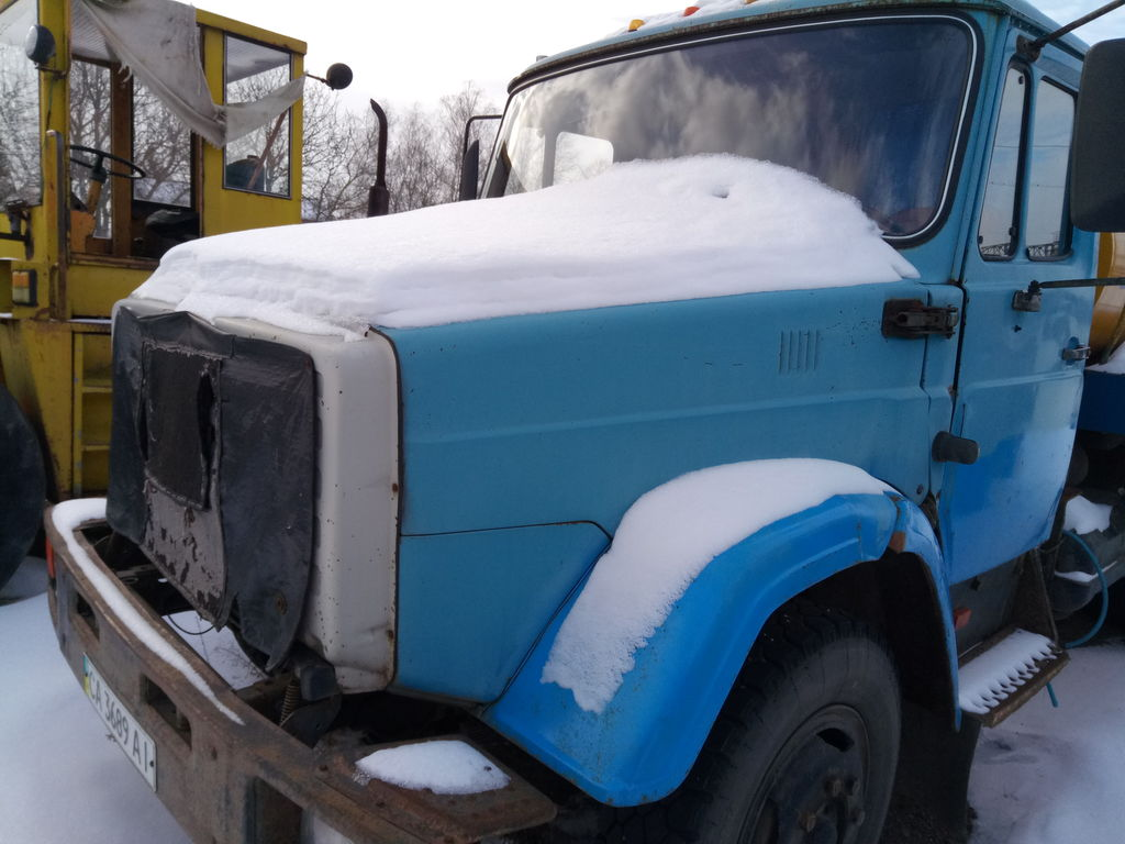 camião de transporte de leite ZIL 433362