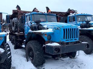 camião de transporte de madeira Уралпромтехника Уралпромтехника 59601В