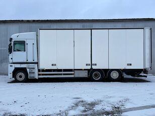 camião furgão RENAULT MAGNUM 520.26