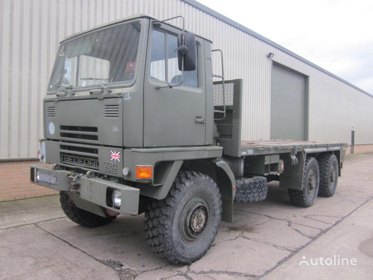 camião plataforma BEDFORD TM 6x6